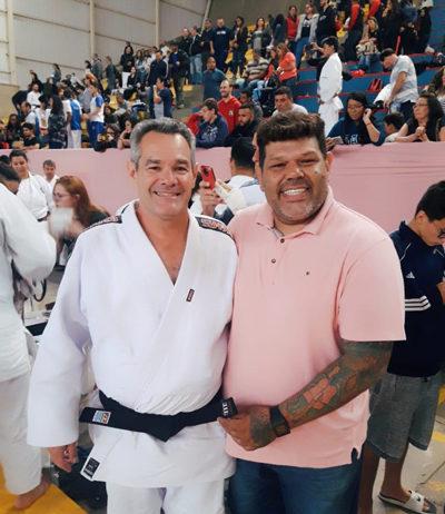 05f2eb8674a Judocas conquistam faixa preta